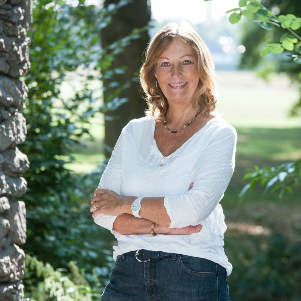 Anja Josten im Park
